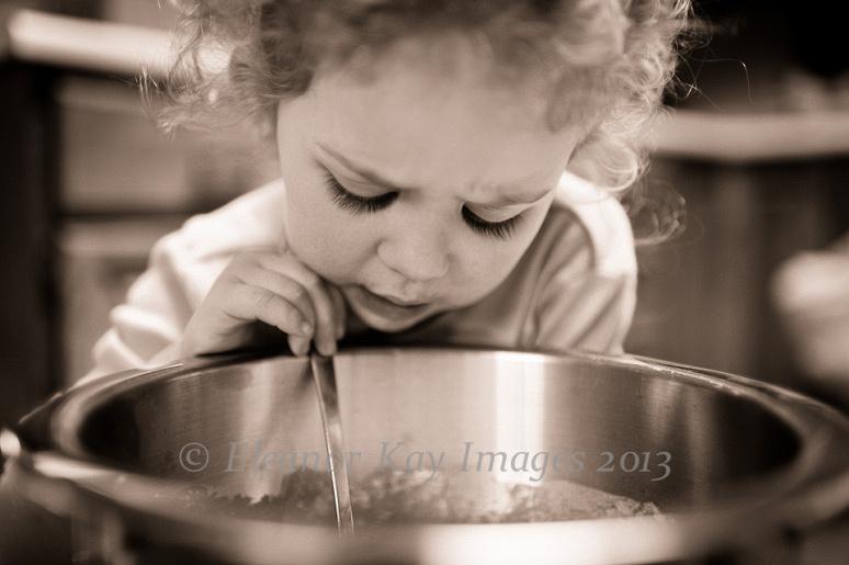 girl_baking_1